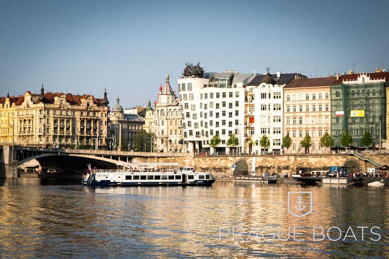 Prag Karte Sehenswurdigkeiten.Einstundige Schifffahrt Durch Prag Prague Boats