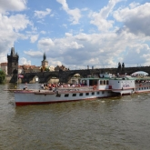 Cruise to zoo on a historical steamer