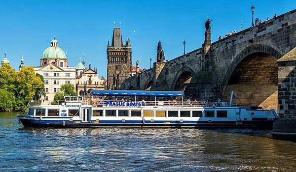 Valencia boat