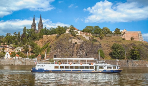 Hour-long cruise through Prague